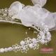 Wianek komunijny biały na czoło z kwiatuszkami