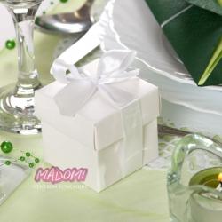 Białe pudełeczka z kokardką na słodkości 10sztuk PUDP6