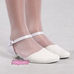 Eleganckie buty komunijne dla dziewczynki OM167