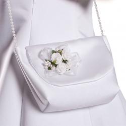 Biała torebka komunijna z satyny, kwiatuszki jak żywe TB11